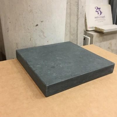Peana o base de piedra natural solnhofen verde
